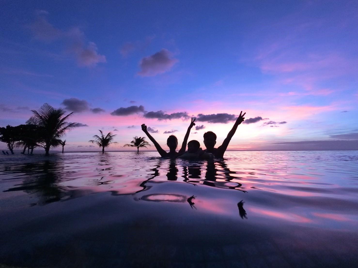 峇里島「Alila seminyak Bali」❤️享受時尚奢華卻沒有距離感的完美旅程 ❤️無敵夕陽美景和無邊界泳池讓人難忘🏖️🏖️🏖️
