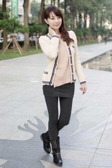 小香風針織外套+F21鉚丁皮靴♥♥♥幫部落客拍照是件苦差事?!