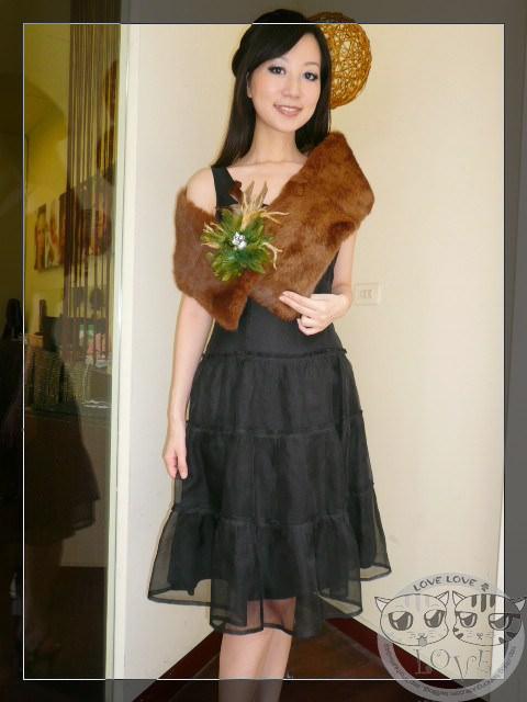 衣櫥裡一定要有的黑色小洋裝….穿搭篇又來囉!!