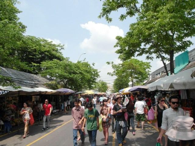 曼谷小旅行♥Chatuchak週末市集購物天堂♥考驗購物狂指數))))