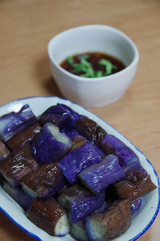 涼拌小菜-蒜香茄子 ♥愛媽上菜♥營養滿點的紫色蔬菜